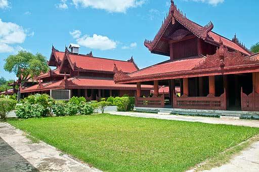 dvorec-imperatora-mandalaj