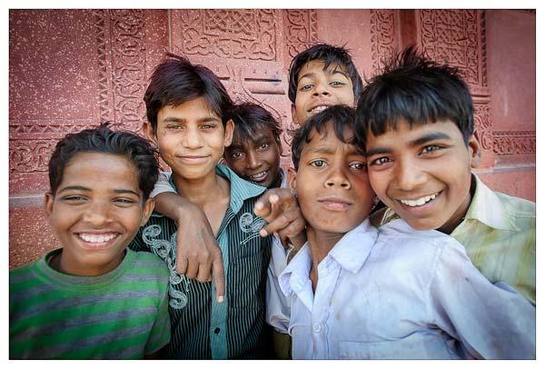 indijskie-rebjata-fatehpur-sikri
