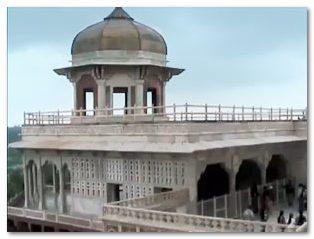 krasnyj-fort-agra