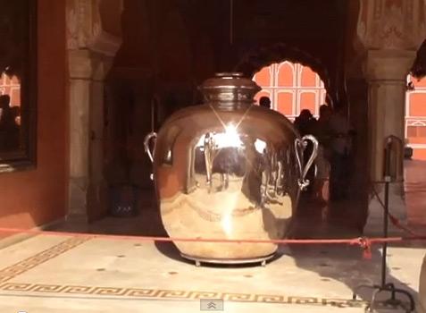 serebrjanyj-kuvshin-dzhajpur