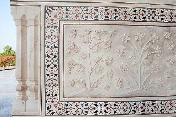 tadzh-mahal-girljandy-kamennyh-cvetov