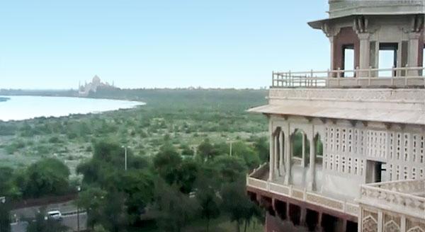to-samoe-okno-krasnyj-fort