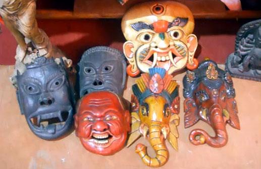 деревянные непальские маски