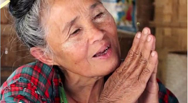 бирманская бабушка