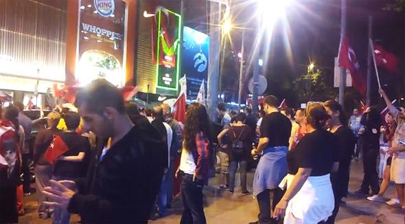 развлечения на улице багдад в стамбуле