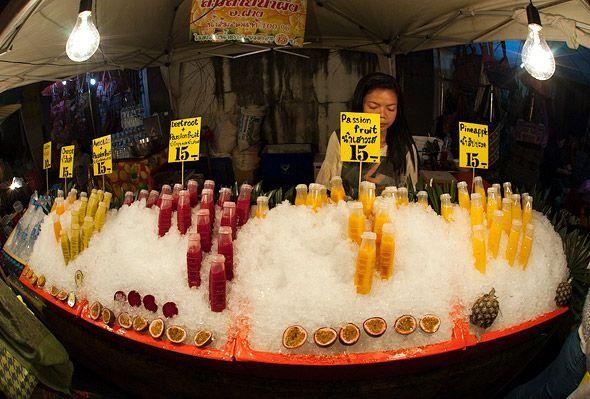 воскресная улица рынок выходного дня