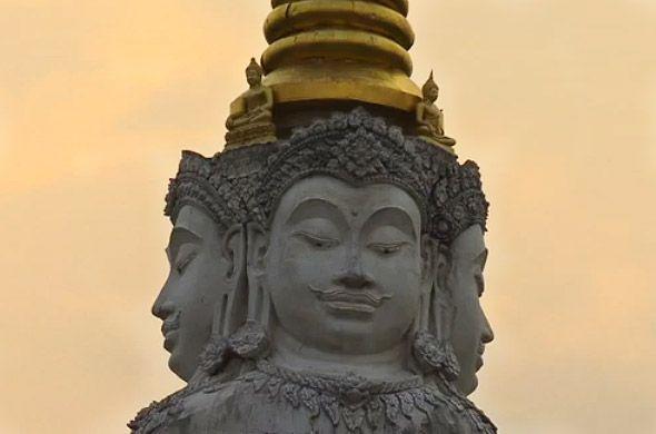 особенные храмы чианг мая
