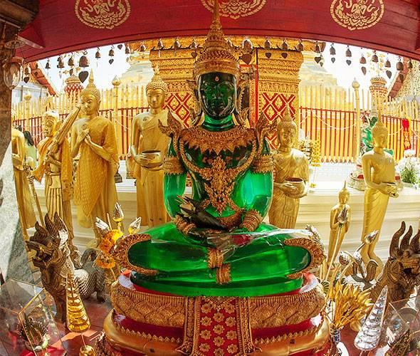 реплика изумрудного будды в дой сутеп
