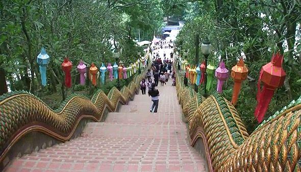 храм дой сутеп лестница