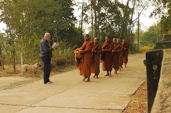 монахи в тайланде