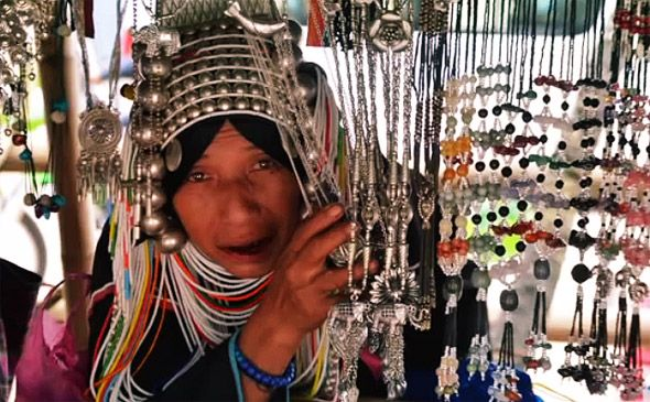 традиционная одеж и украшения одного из племен тайланда