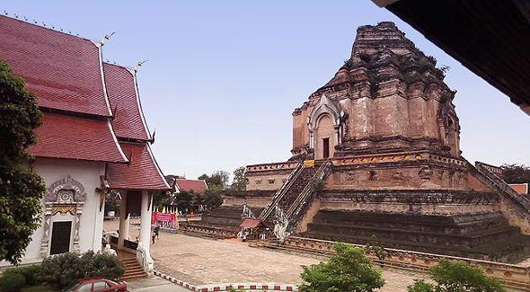один из древних храмов чианг мая