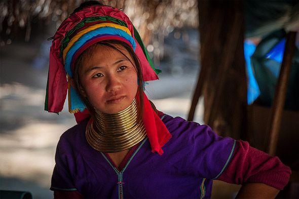женщина из племени длинношеих тайланд
