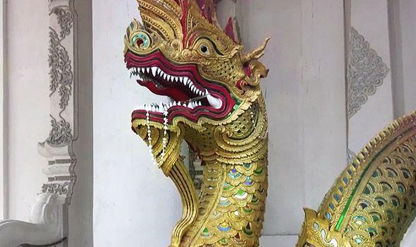 защитные змеи-наги на лестницах храмов