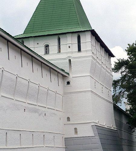 стена белая аки голубь