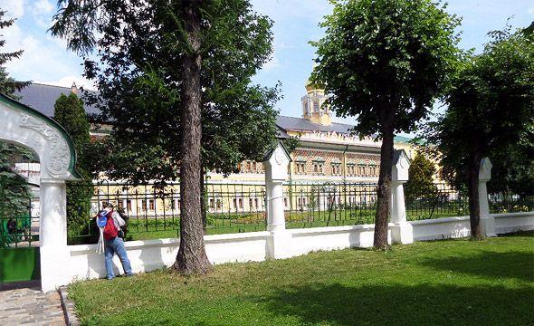 троице-сергиев монастырь-около-царских-чертогов