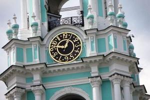 часы куранты колокольня троице сергиевой лавры