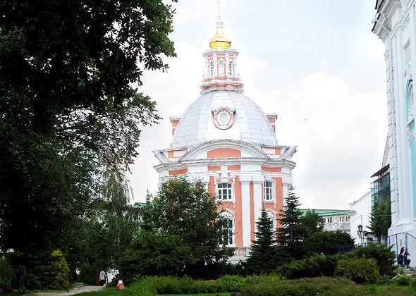 смоленский храм троице сергиевой лавры