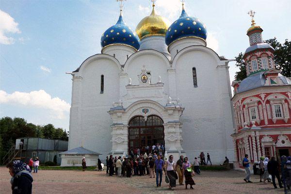 успенский собор и надкладезная часовня