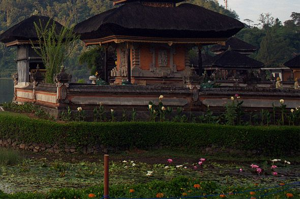 храм богини воды улун дану