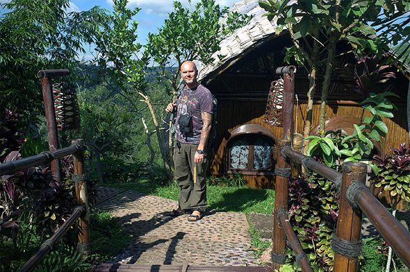 эко-отель такие в нем  бамбуковые домики