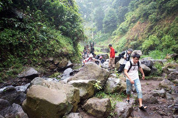 долгая дорога к водопаду
