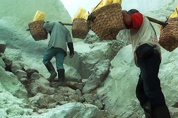 вулкан кава иджен носильщики серы