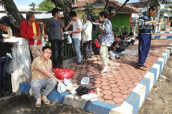 оголодавшие тайцы