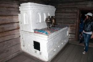 печка в крестьянском доме