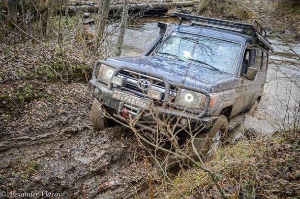 много километров трассы по грязи