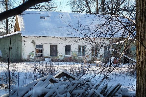 развалины ветлечебницы уцелевшая постройка усадьбы тишково