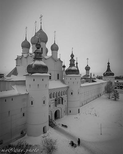 пора идти дальше в следующий двор кремля