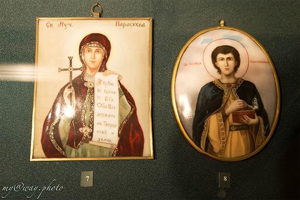 музейные экземпляры ростовской финифти