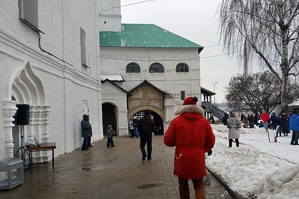 святые ворота спасо преображенский монастырь ярославль