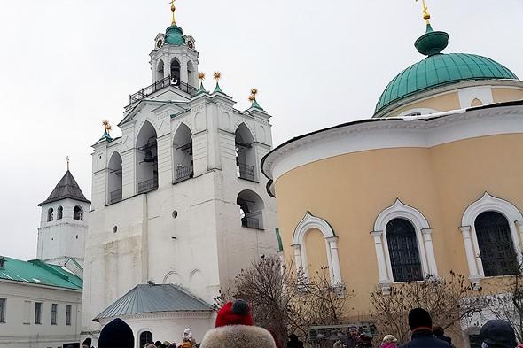 звонница и церковь ярославских чудотворцев
