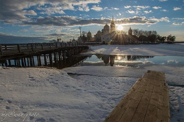 остров нила столобенского зимой