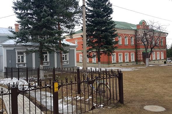 хотьково покровский монастырь здания на территории  обители