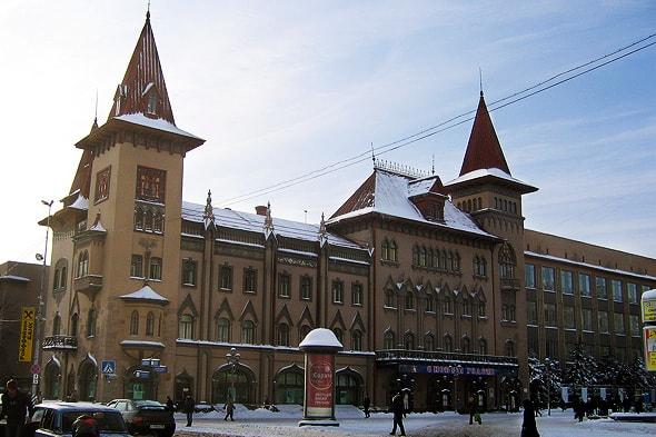 готический замок консерватории