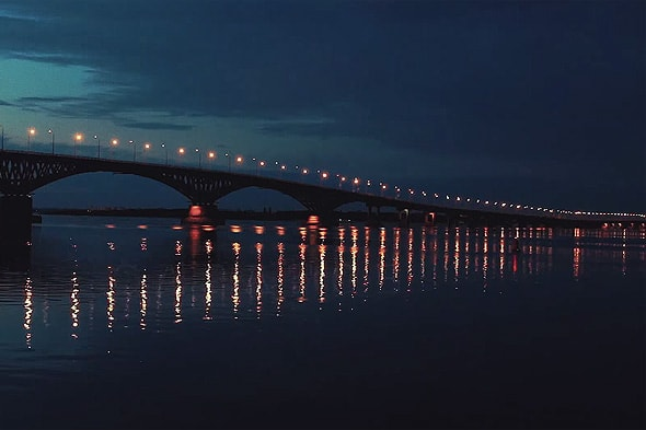 ночная подсветка уникального моста