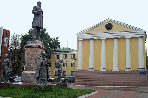 памятник столыпину и четыре алегории