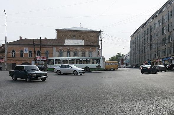 перекресток улиц радищева и кутякова