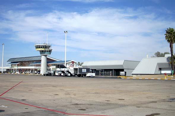 столица намибии винхук аэропорт хосе кутако