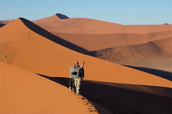 песчаные холмы и впадины