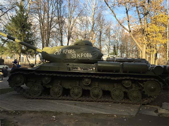 еще лдин экспонат военной техники