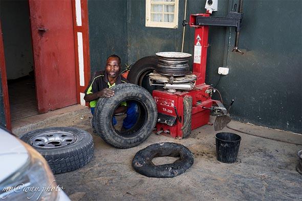 убиваются колеса и шины