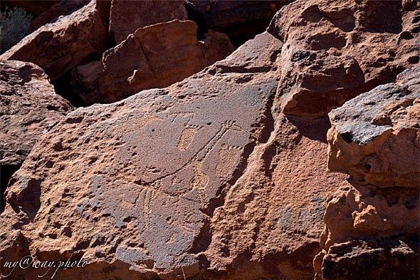 наскальные рисунки первых жителей намибии бушменов