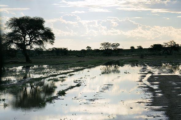 вода в сухом русле Ауоб