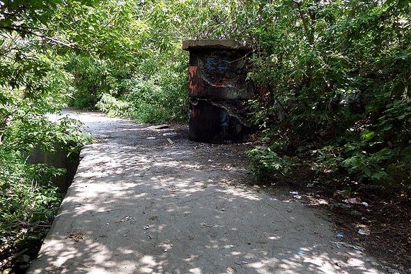 русло реки тайбалык забрали в бетонный саркофаг
