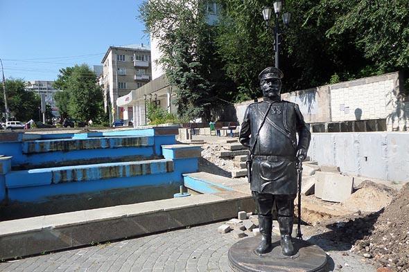 памятник городовому в саратове
