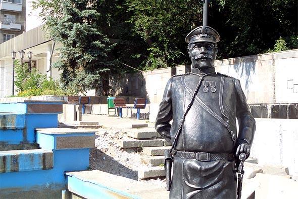 памятник приставу Гришину